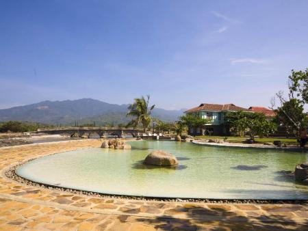 Swimming pool [outdoor] Las Casas Filipinas de Acuzar Hotel