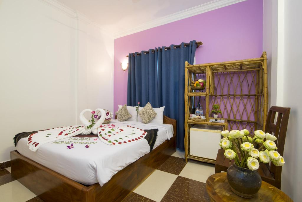 Standard Double Bed - Air Conditioning - Guestroom Tan Kang Angkor Hotel
