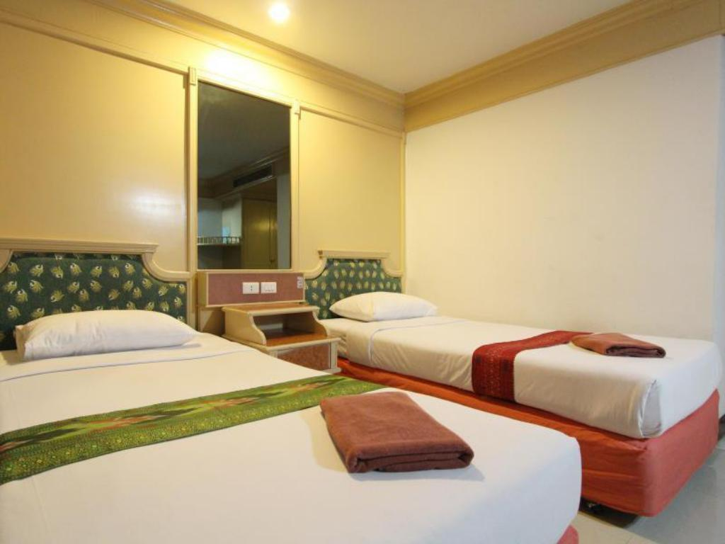 Superior Twin Bed A.A. Pattaya Hotel