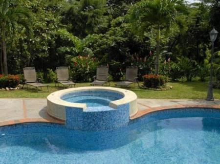 Swimming pool Albrook Inn