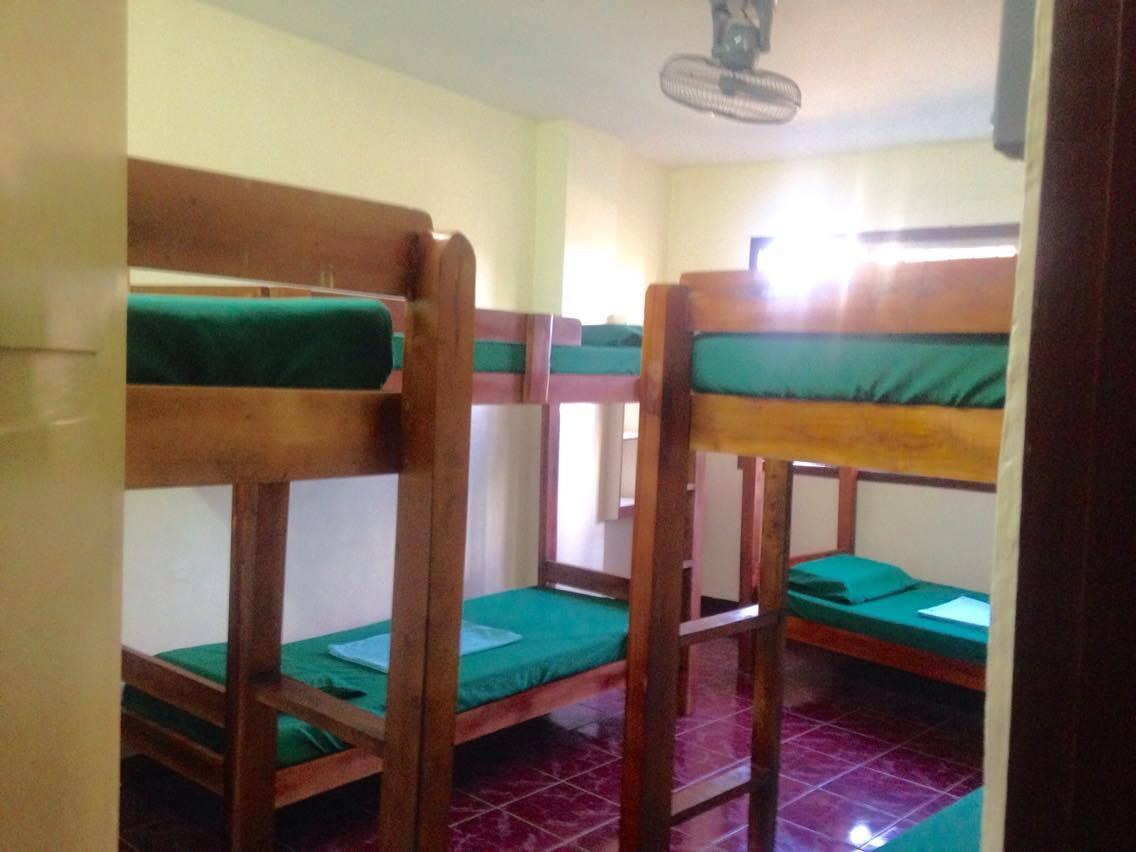 1 Person in 6-Bed Dormitory with Shared Bathroom - Mixed