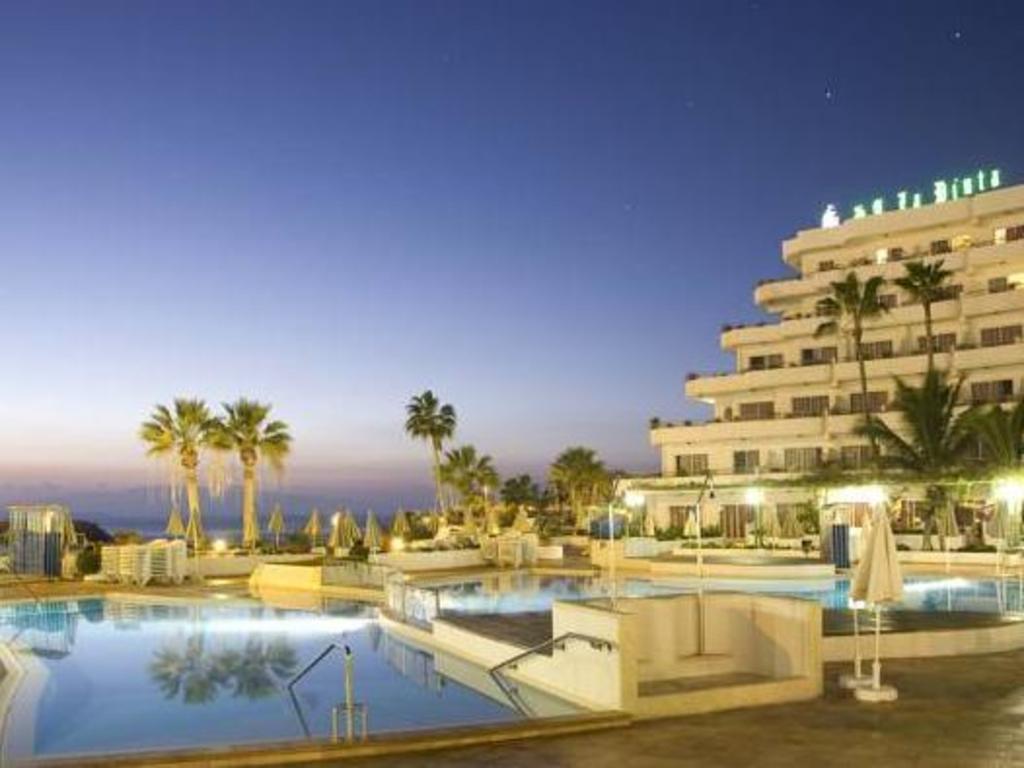 Hovima La Pinta Beachfront Family Hotel In Tenerife Room Deals Photos Reviews