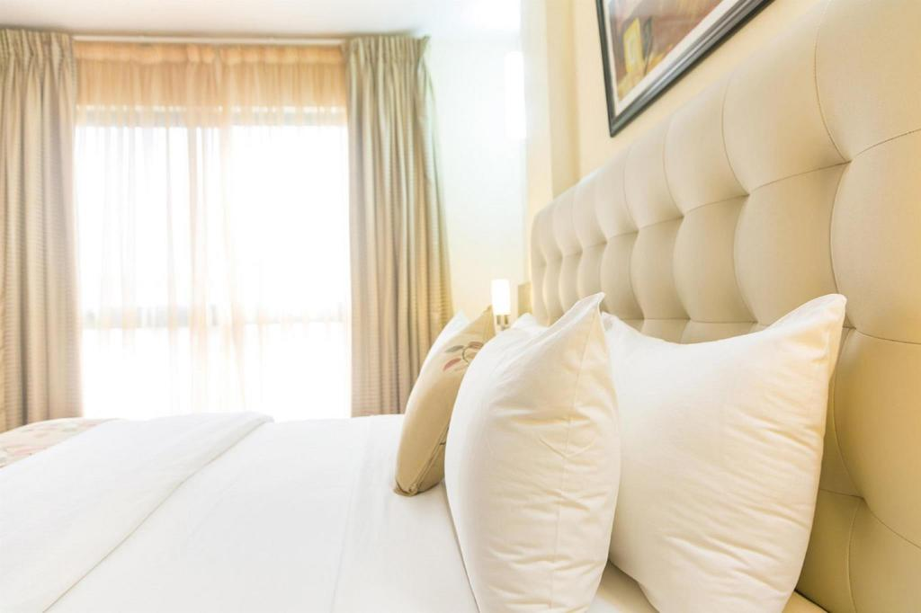 Premier 1 King Bed - No Smoking - Bed Best Western Premier Accra Airport Hotel