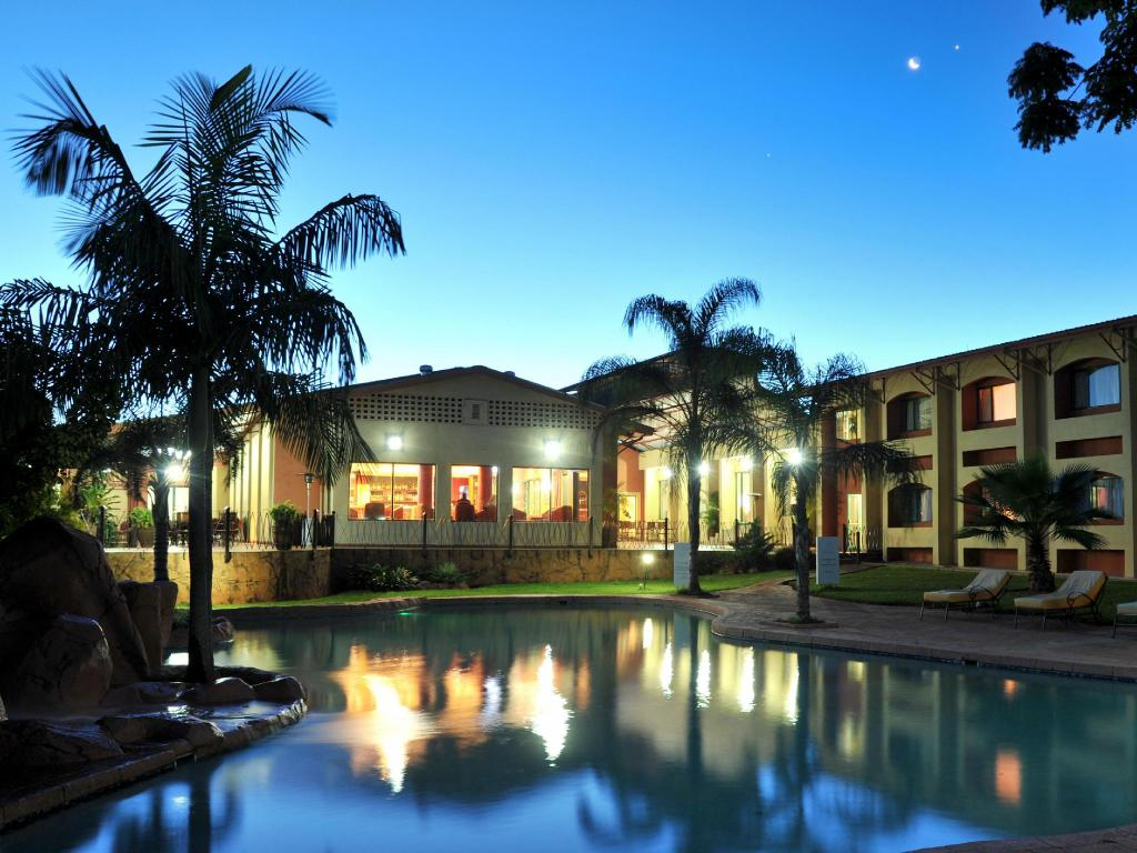 More about Cresta Golfview Hotel
