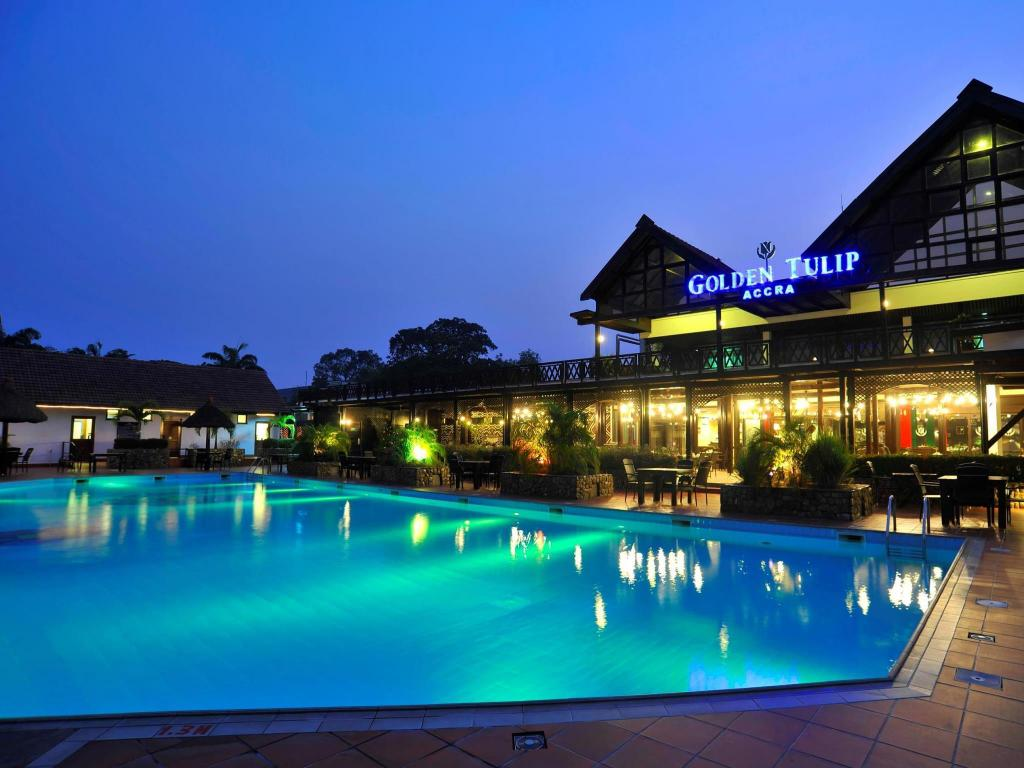 Swimming pool Golden Tulip Accra Hotel