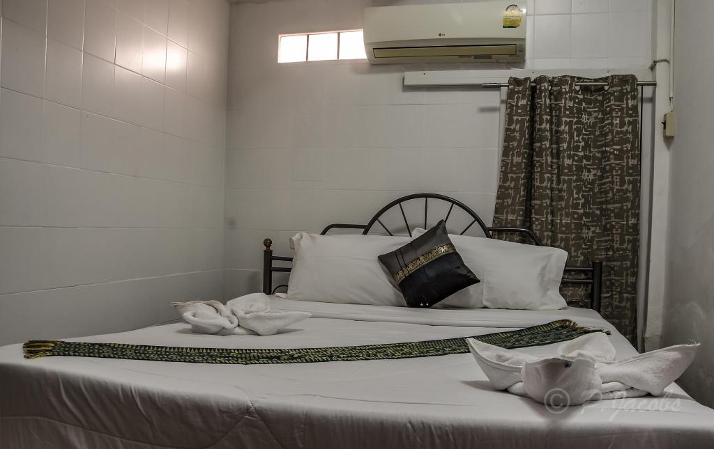 Double Room Chaam Guesthouse