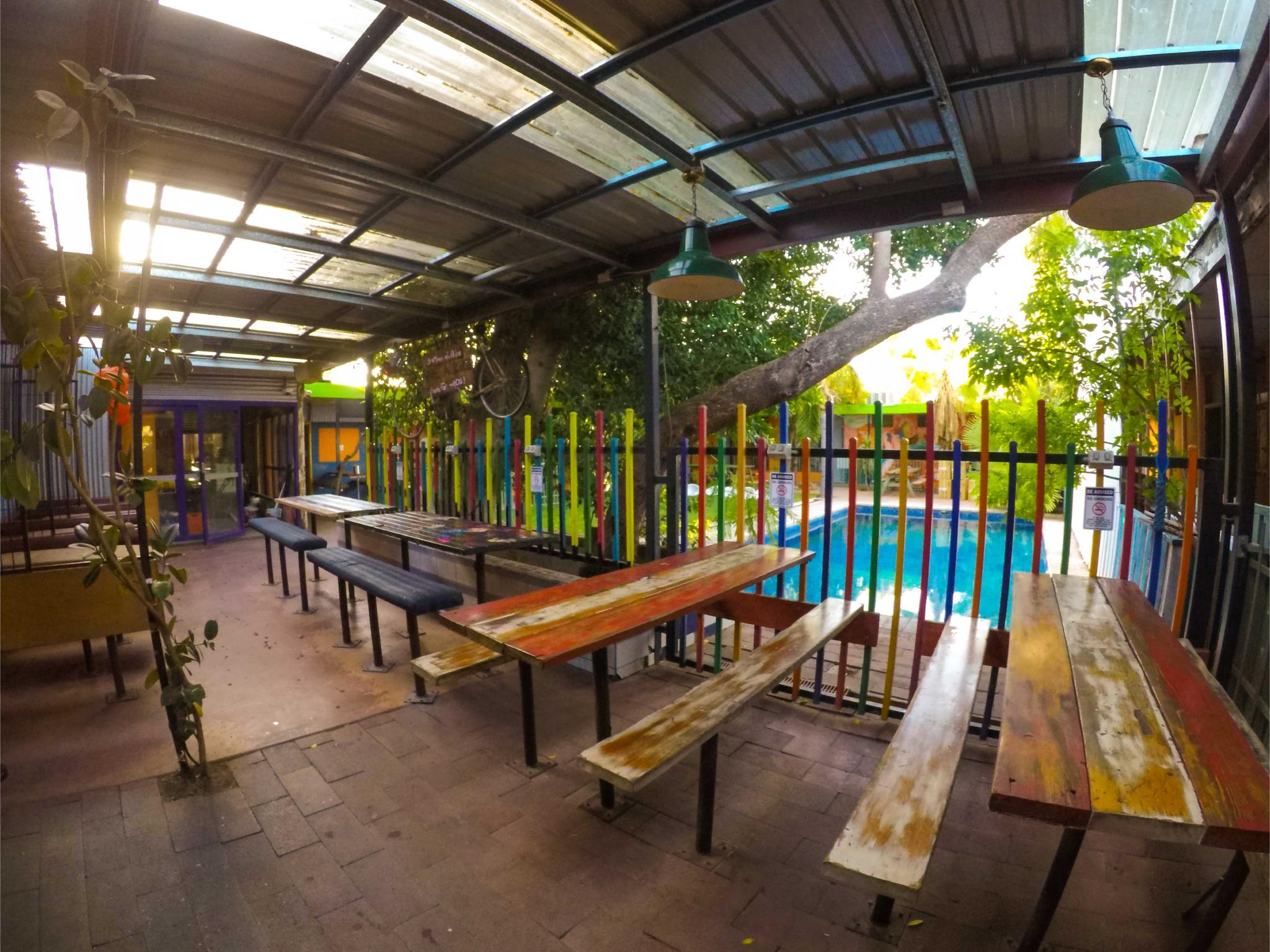 Etagenbett Alice : Das jump inn alice budget accommodation in springs buchen