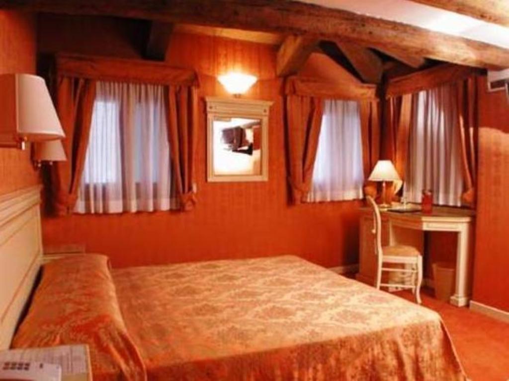 Lanterna Di Marco Polo - Venezia - Affari imbattibili su agoda.com c9ff223e6840