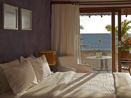 Double Room with Sea View (Children not included)
