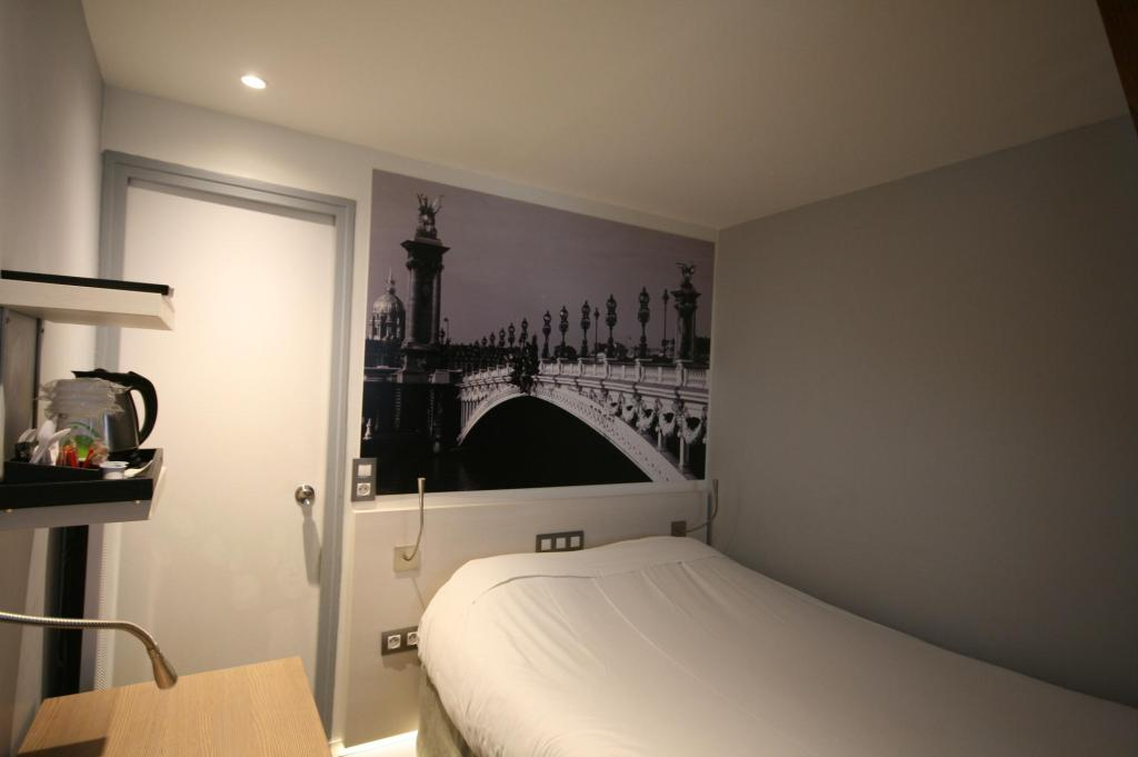 Eenpersoons Hotel Kyriad Paris 12 Nation