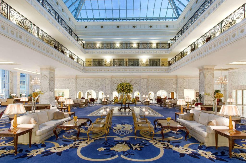 Foyer The Regency Hotel Kuwait