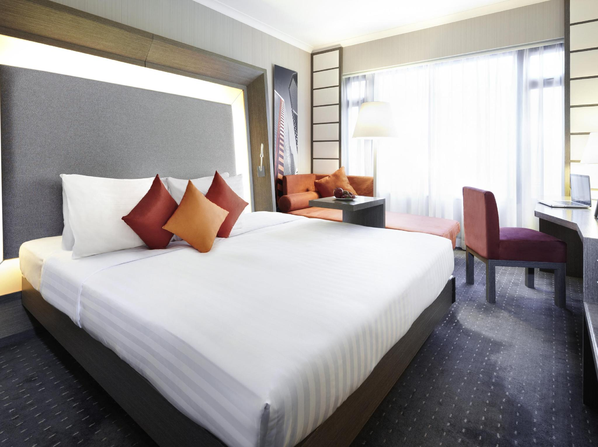 Novotel Nathan Road Kowloon Hotel in Hong Kong - Room