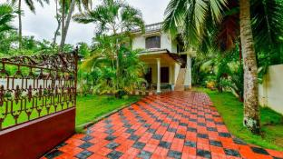 Lake Castle Alleppey villa