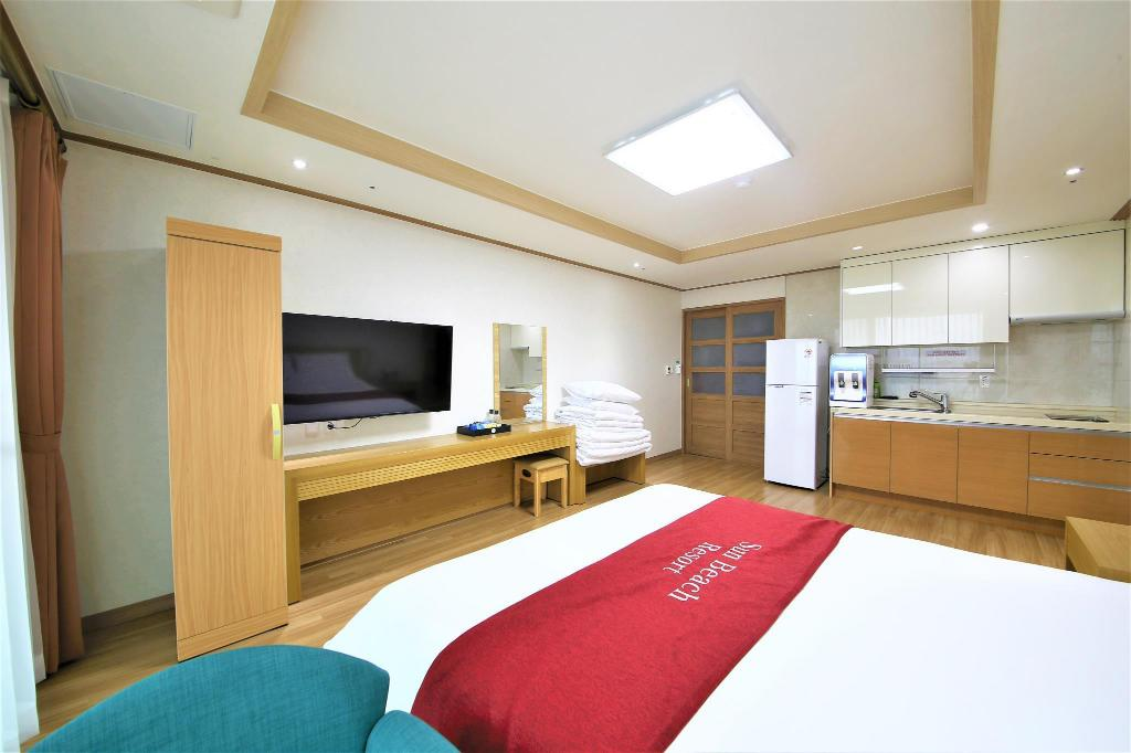 Korean Style Triple Room with Private Bathroom