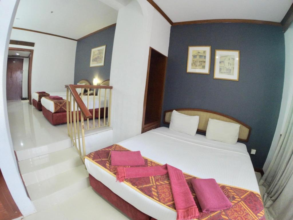 Family Suite - Bedroom