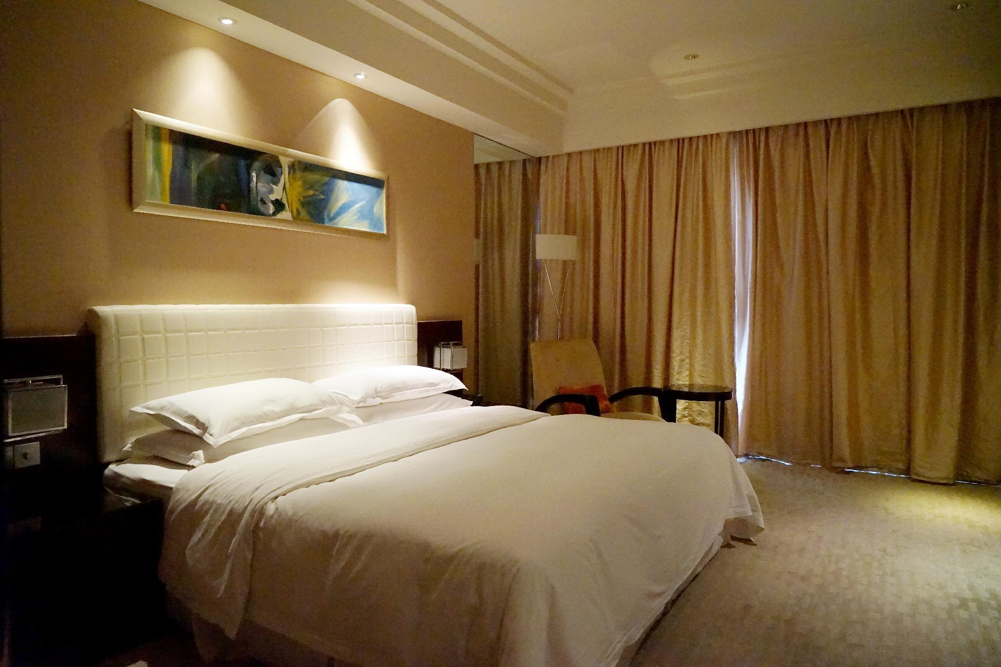 Traditional King Rooms, Guest room, 1 King, City view