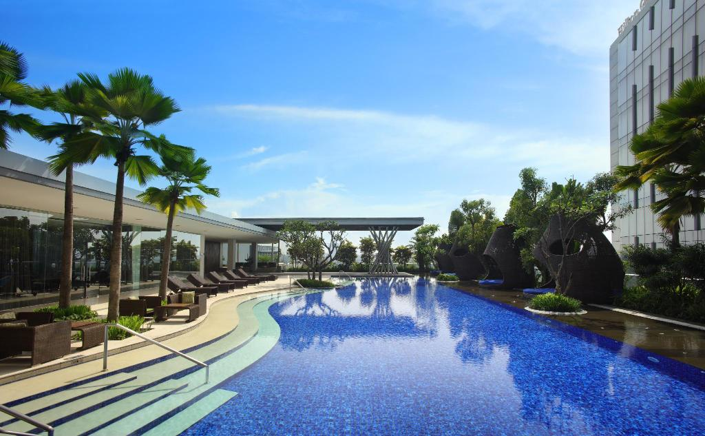 Swimming pool [outdoor] Hilton Bandung