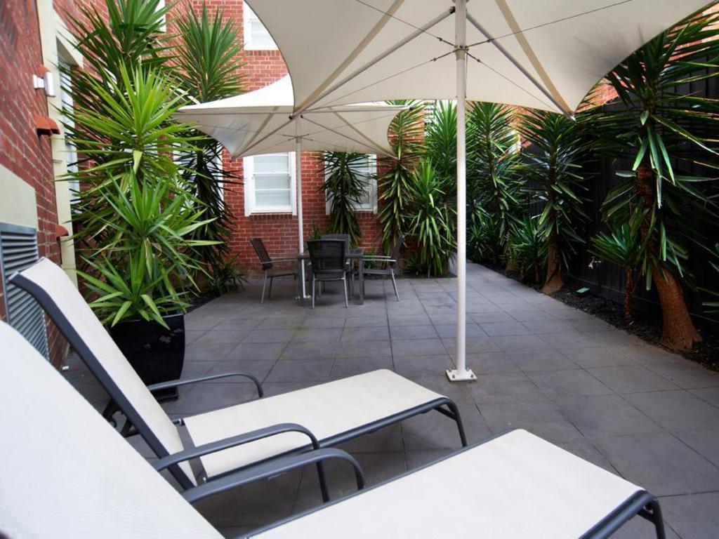 best price on quest east melbourne in melbourne reviews. Black Bedroom Furniture Sets. Home Design Ideas
