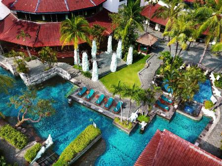 Swimming pool [outdoor] Sheraton Surabaya Hotel & Towers