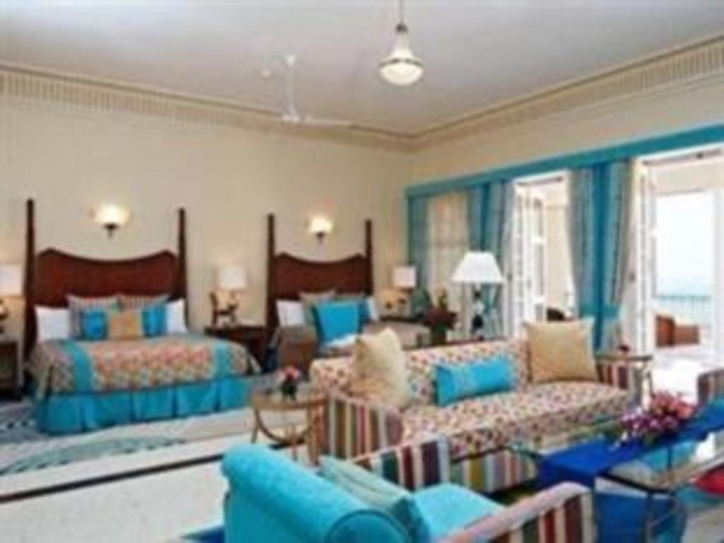 The Gateway Hotel Ramgarh Lodge Jaipur in India - Room