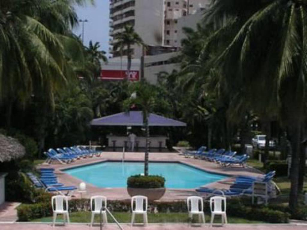 Swimming pool Bali Hai Acapulco