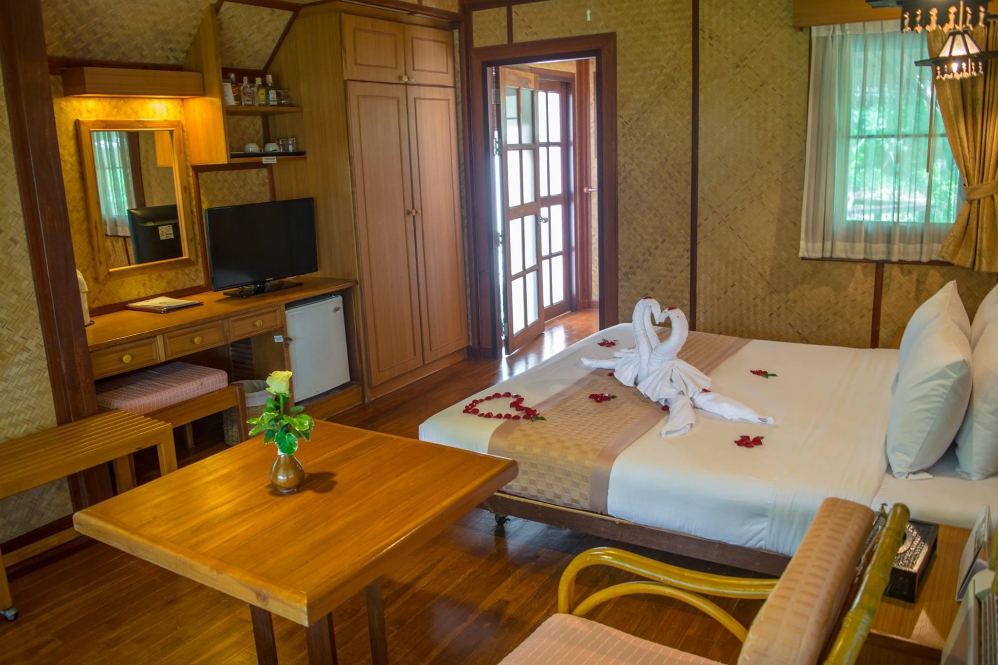 Sunset Village Beach Resort in Pattaya - Room Deals, Photos & Reviews