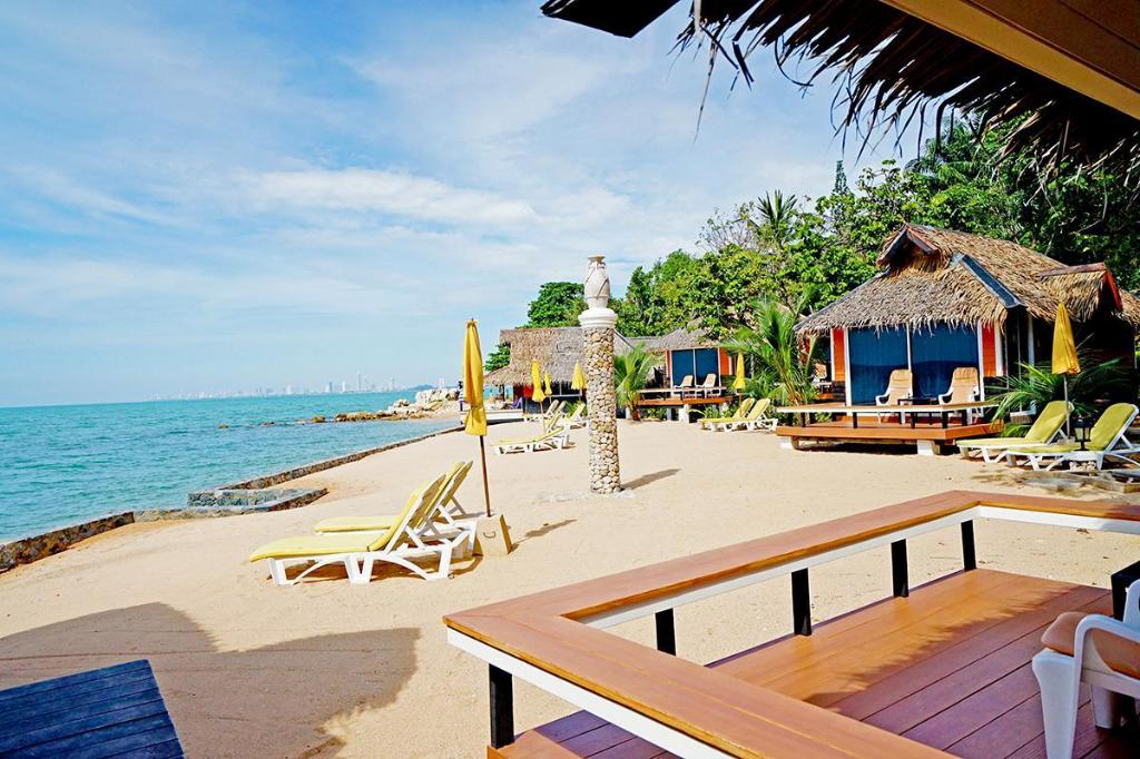 Sunset Village Beach Resort In Pattaya Room Deals Photos