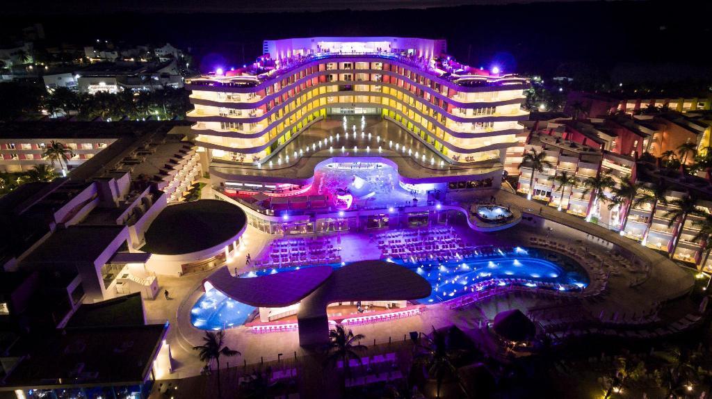 Temptation Cancún Resort | Hotels | Experience