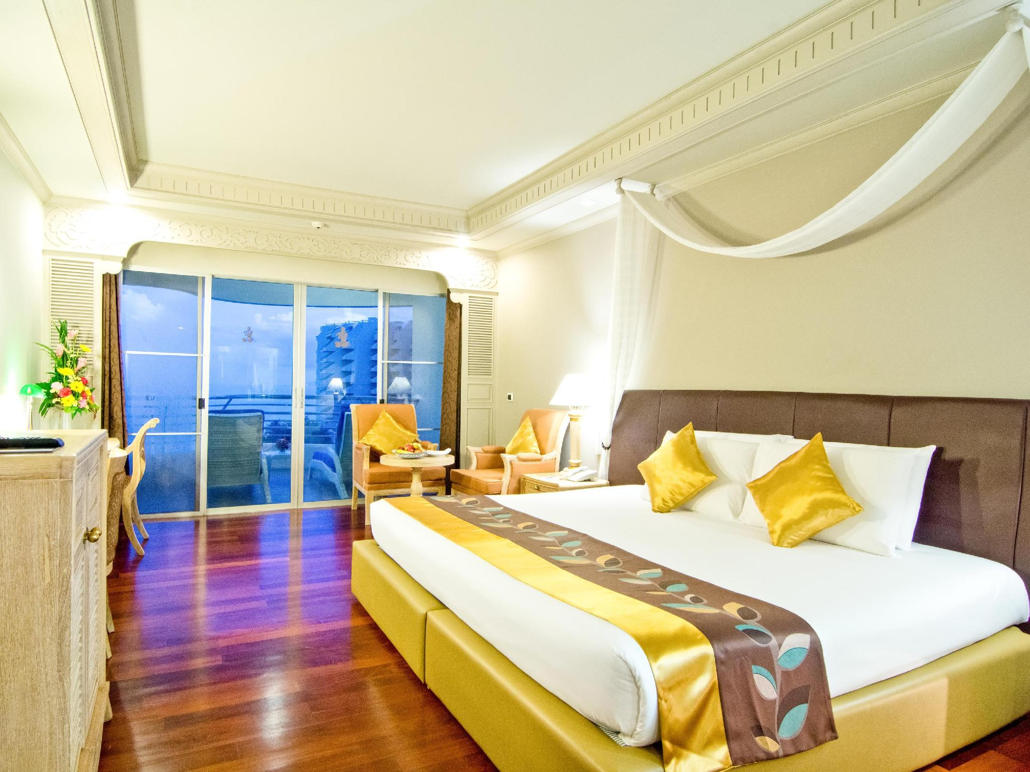 Grand Sea View Room