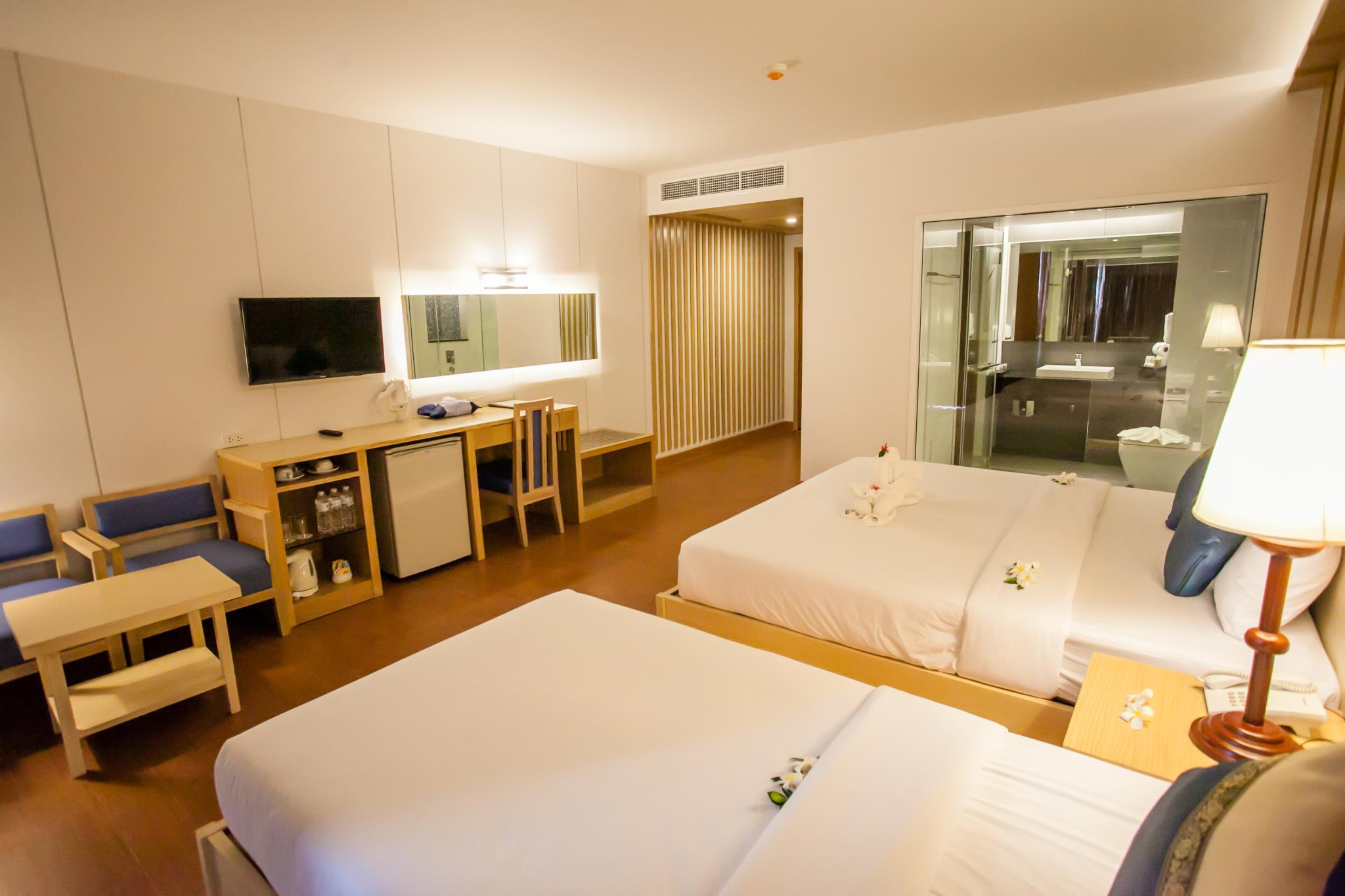 Deluxe Room with Triple Bed and Pool Access