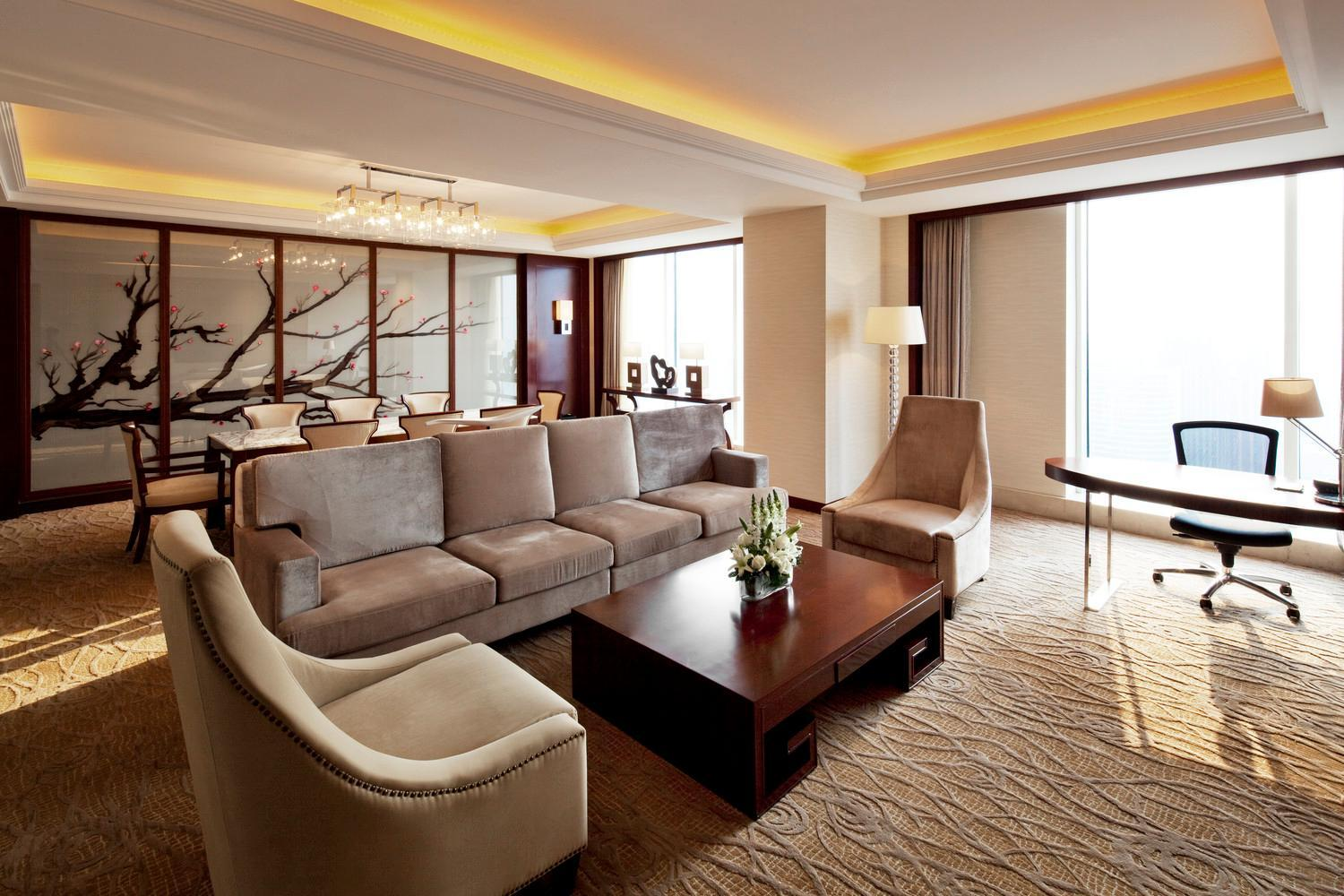 Grand Deluxe Suite, Club level, 1 Bedroom Executive Suite