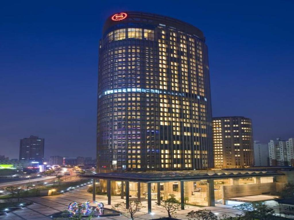 Sheraton Grand Shanghai Pudong Hotel and Residences