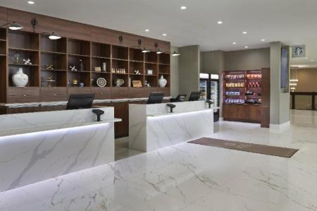 Hol Four Points by Sheraton Toronto Airport