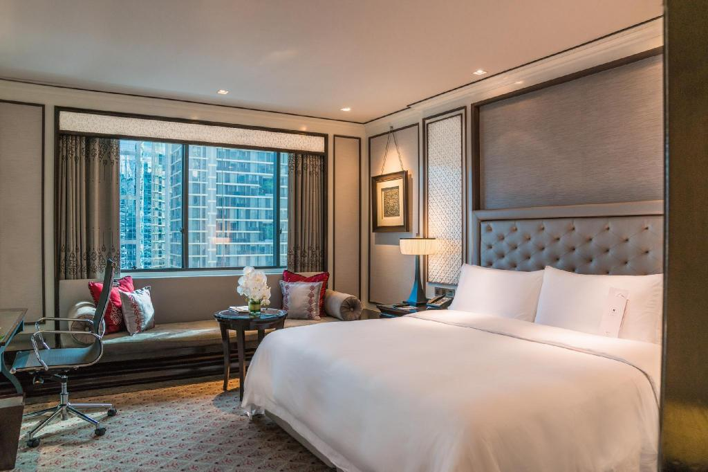 Athenee, Guest room, 1 King, City view - Guestroom The Athenee Hotel A Luxury Collection Hotel Bangkok