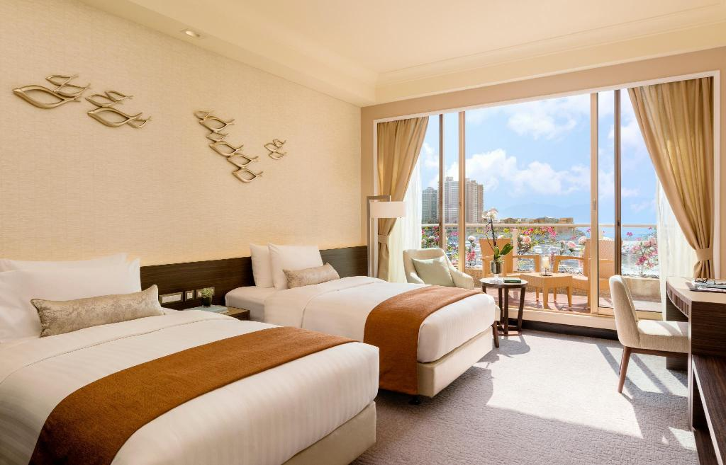 Deluxe Seaview, Guest room, 1 Double, Sea view, Balcony - 床