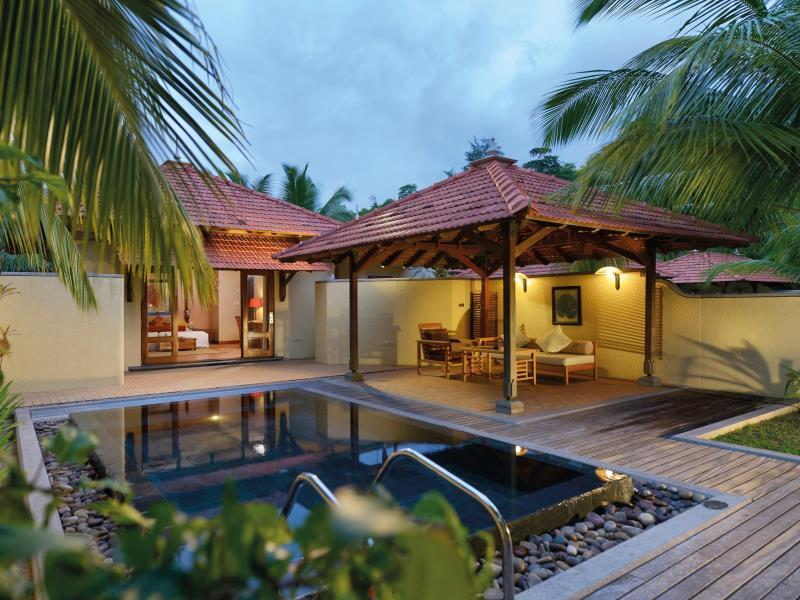 Villa with Pool - Honeymooners Only