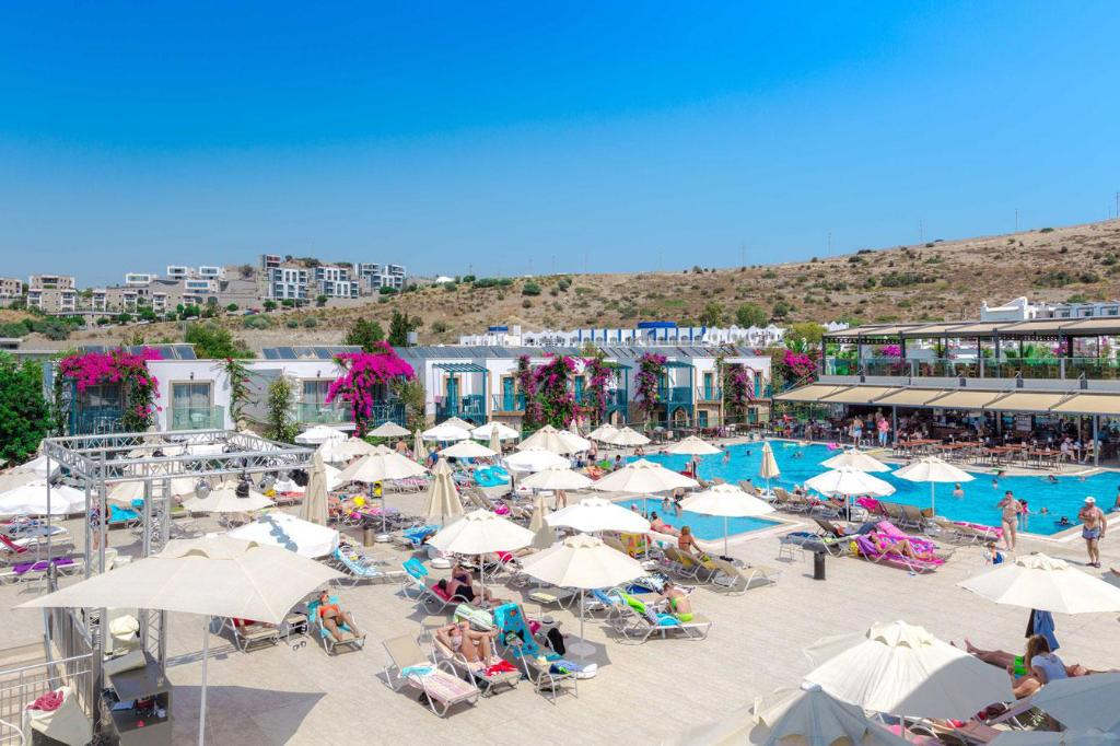 Swimming Pool Jasmin Beach Hotel Gumbet
