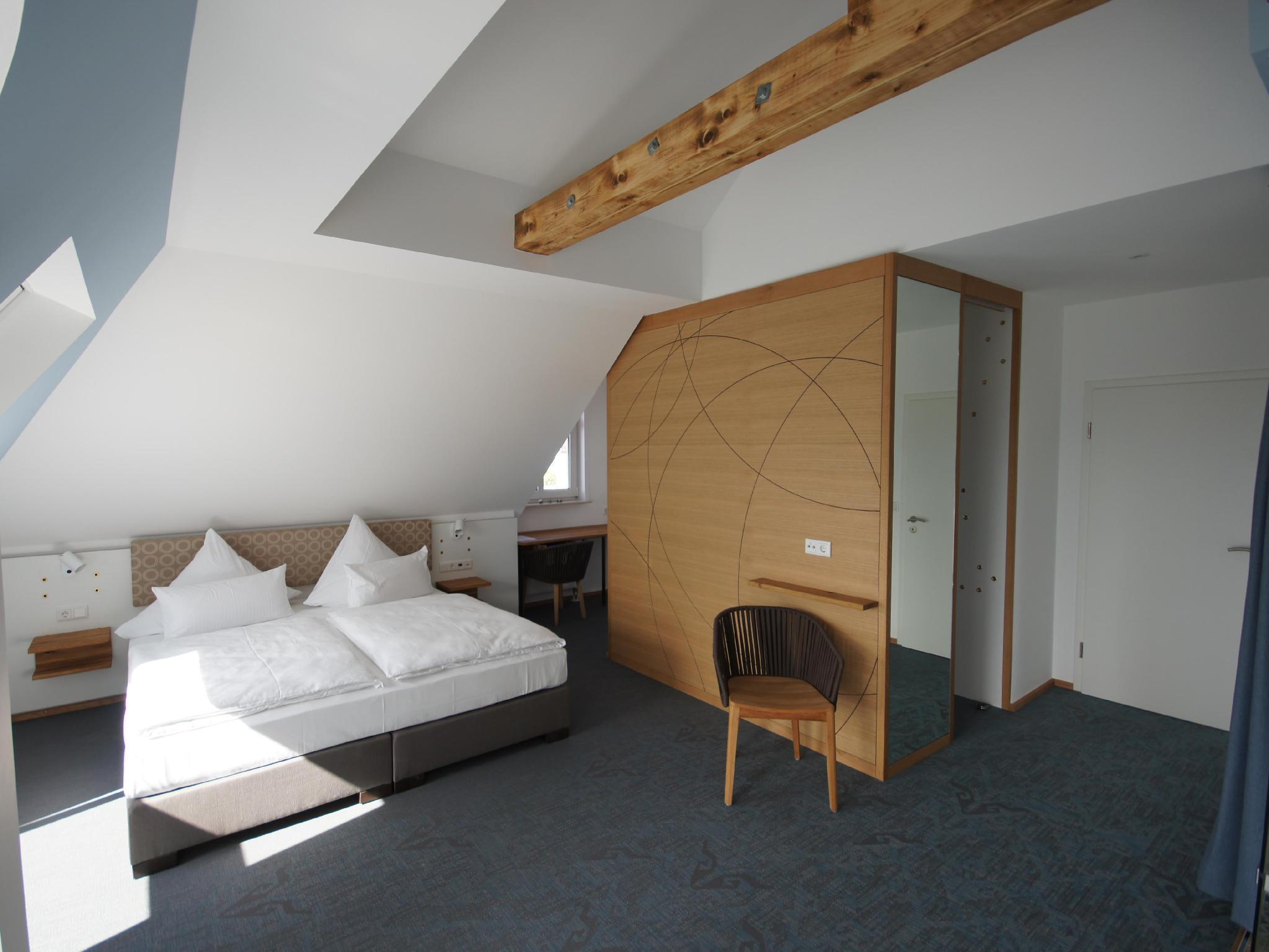 Hotel Restaurant Cafe Schoene Aussicht In Frankfurt Am Main Room