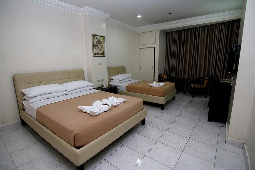 Genial Executive 3 Bedroom Apartment   Guestroom Century 21 Hotel ILOILO