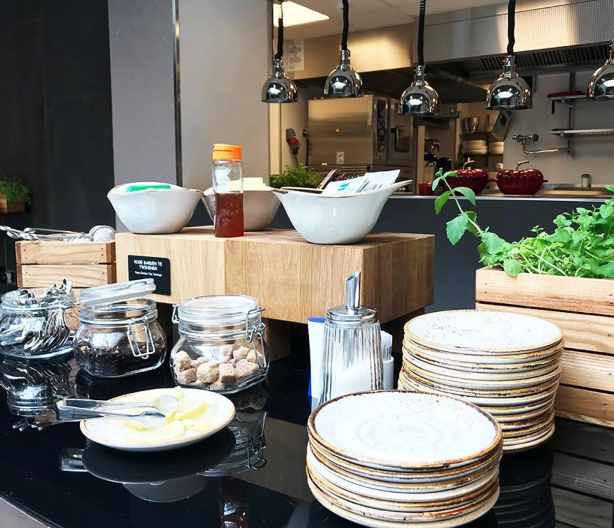 Buffet Karl Johan Hotell Sure Hotel Collection by Best Western