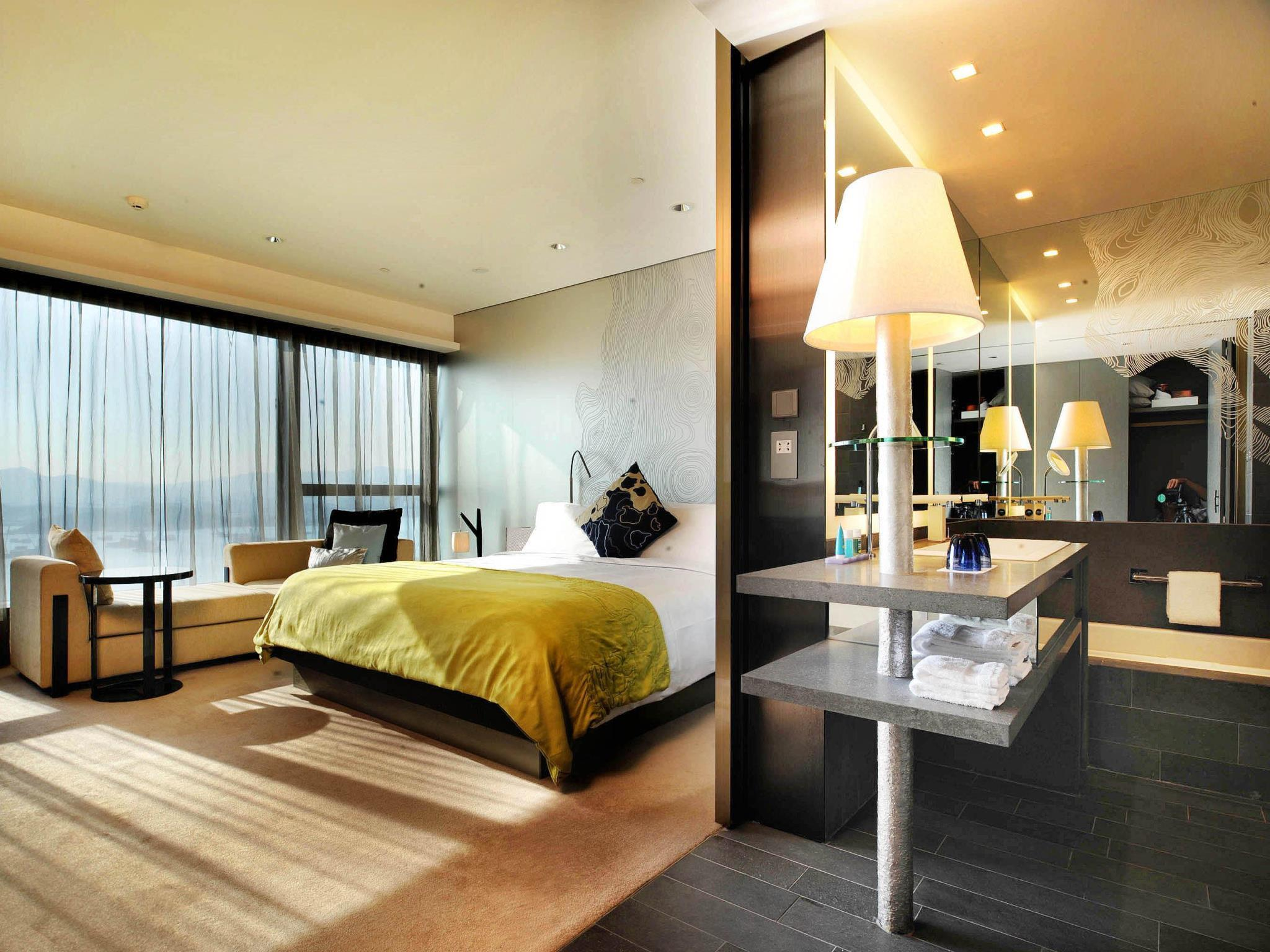 Spectacular King or Twin Room