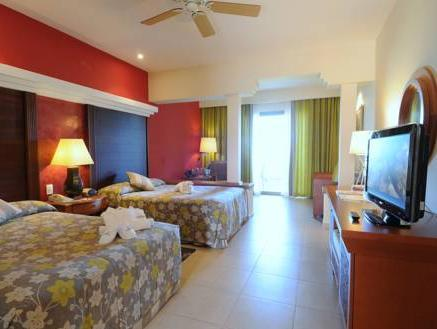 Junior Suite with Sea View (2 Adults +1 Child)