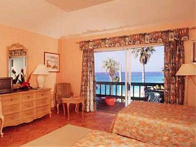 Deluxe Studio with Ocean VIew - Non-Smoking