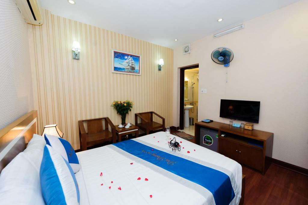 Standard Double - Bed Hanoi Dai Duong Hotel 2 - The Art