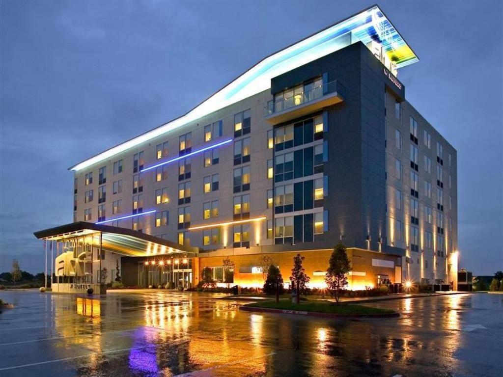 More about Aloft Rogers-Bentonville