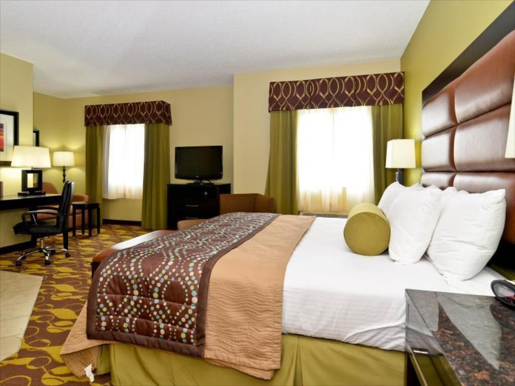 King Bed Best Western PLUS Wilmington Carolina Beach