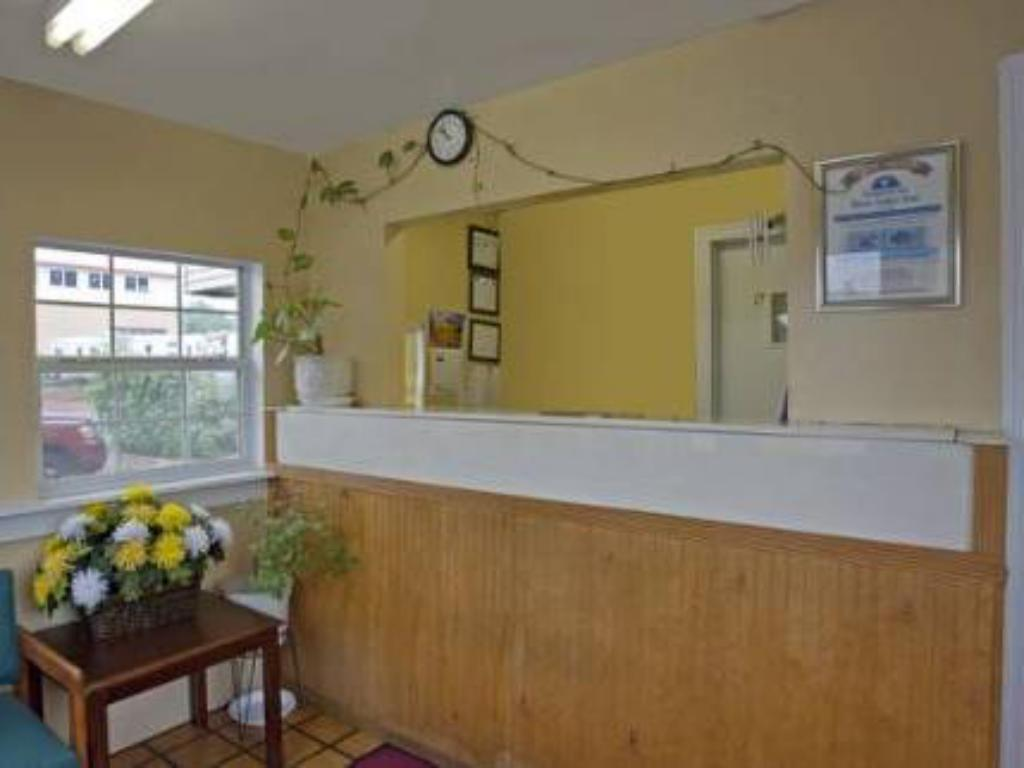 Reception Value Inn Motel - Knoxville Chilhowie