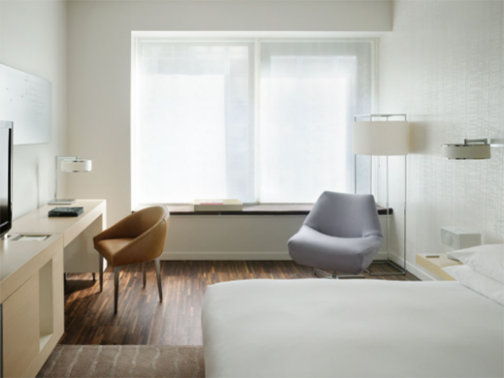 ADA 1 King Bed - NS Andaz Wall Street-a concept by Hyatt