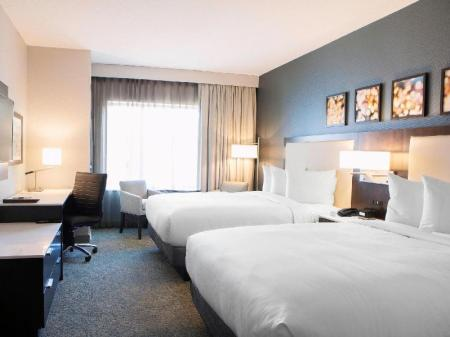 2 Queen Beds  DoubleTree by Hilton Minneapolis University Area