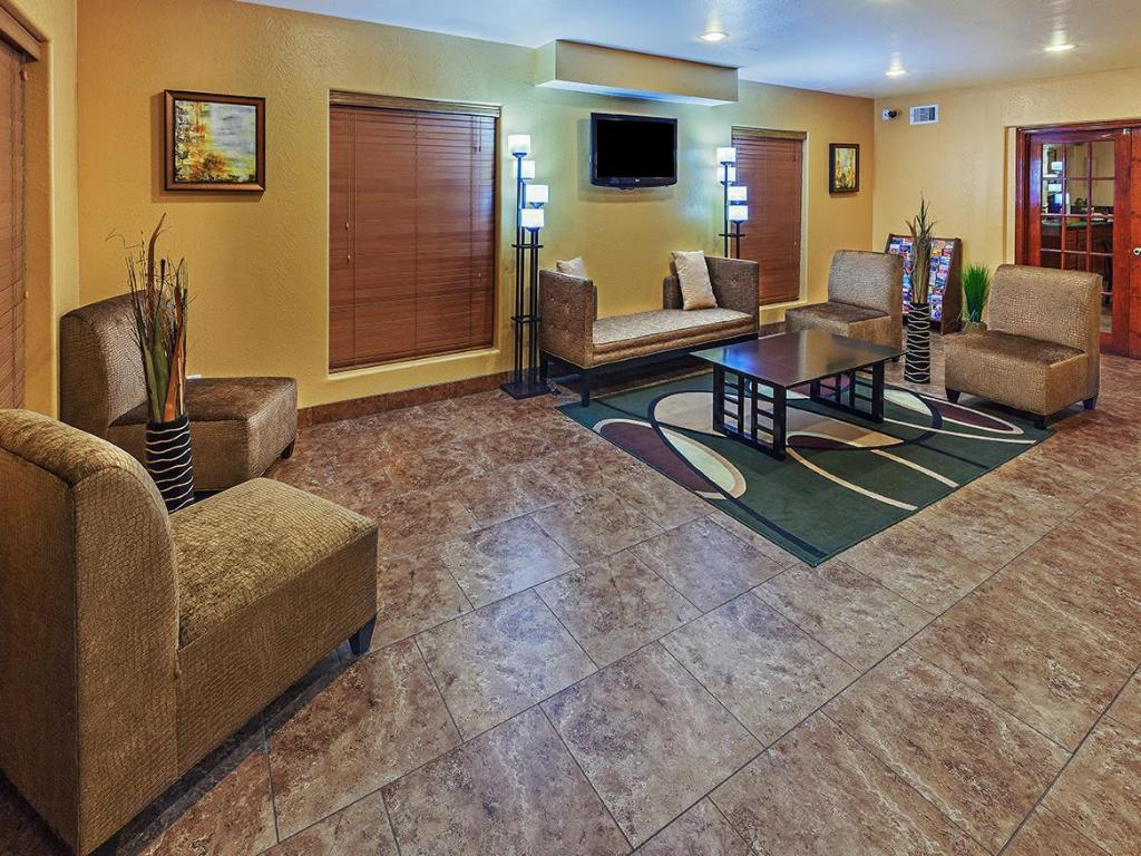 Interior view Texas Inn and Suites Raymondville